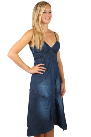 Denim dress with short cut. Zipper on the side. It closes the straps and the elastic waist below the chest. Material: 95%