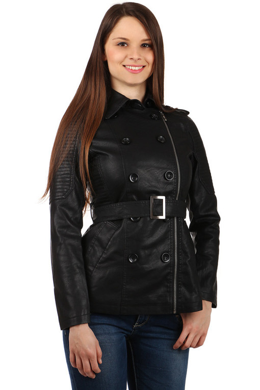 Women's jacket with zipper on the side