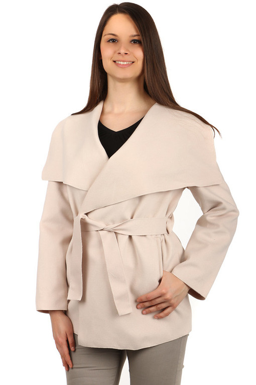 Women's coat with belt