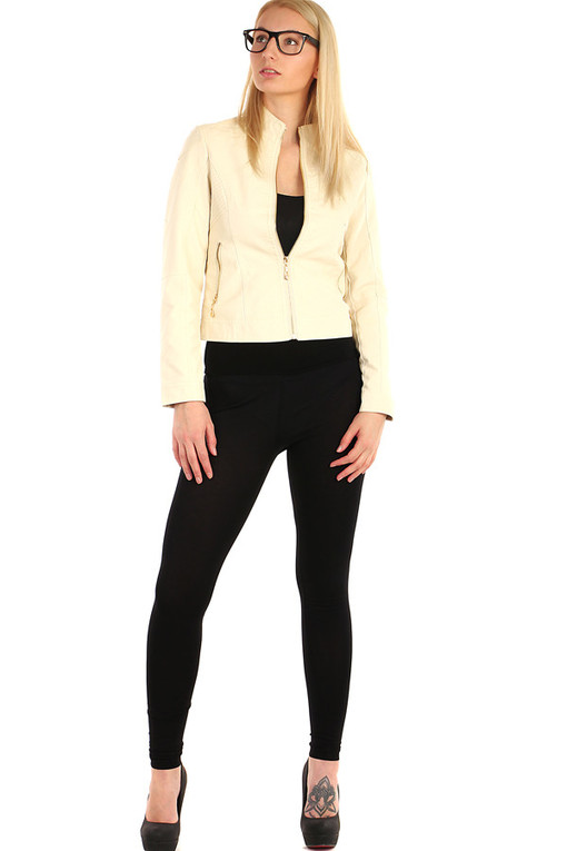 Short women's leatherette jacket