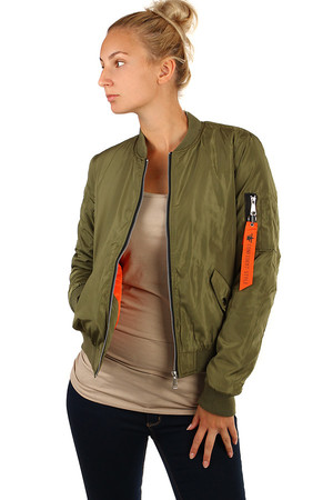 Short ladies bomber in three colors. Zip fastening. Design without hood. Suitable for spring / autumn. Material: 100%