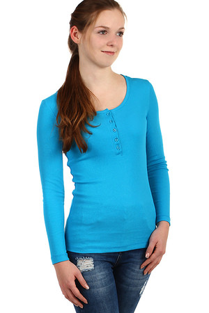 One-color ribbed t-shirt with hood, long sleeve. Material: 80% cotton, 20% polyester.