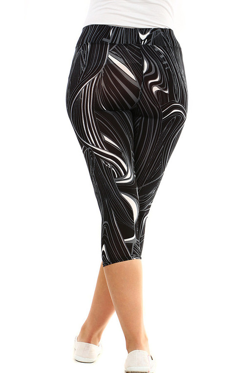 Women's three quarter leggings with a pattern