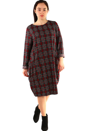 Women's knit oversized dress round neckline long sleeve knee length 2 pockets on the front gently elastic knit checkered