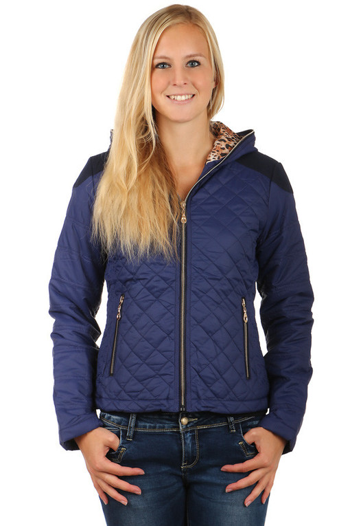 Women's quilted jacket with hood